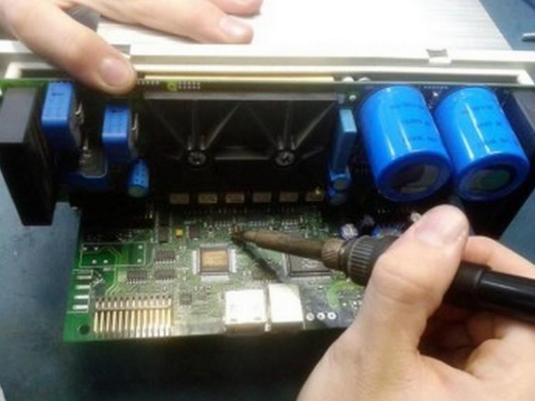 Reparos em circuitos com componentes SMDs