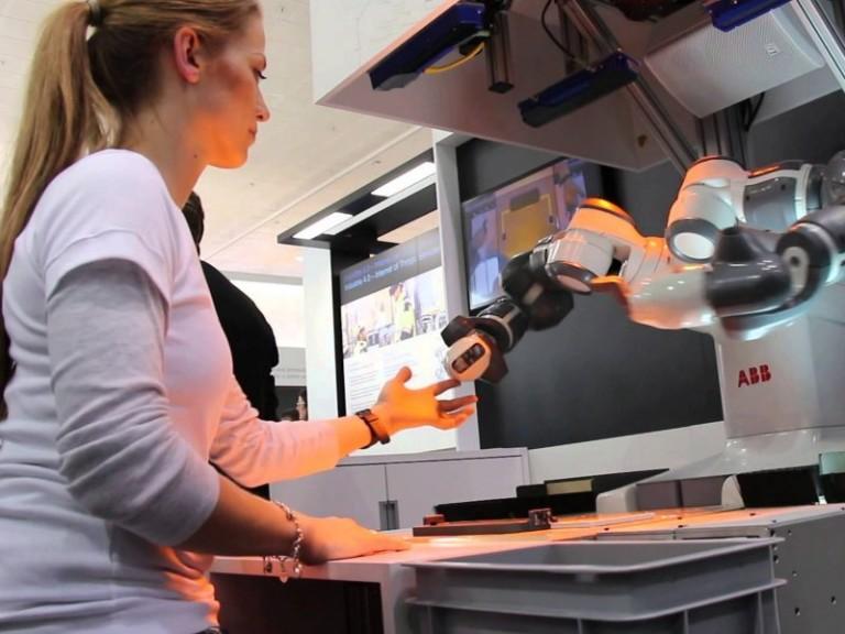 Robô colaborativo, a interação homem-máquina